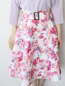アプワイザーリッシェのミモレ丈プリントスカート